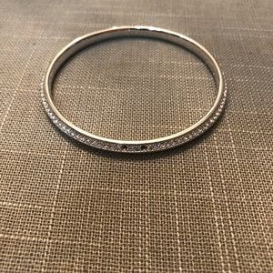 Jewelry - Silver bangle bracelet with crystal stones